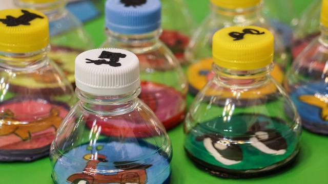 Kerajinan Dari Botol Yang Sangat Berguna Untuk Kebutuhan
